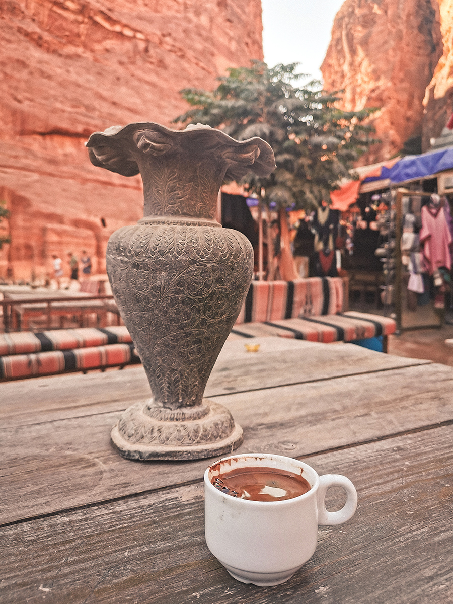 Coffee break in Petra