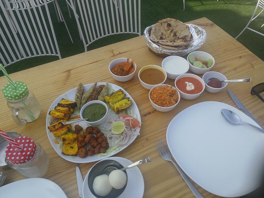 Indian Food - Jaipur (Snacks and Veg Thali)