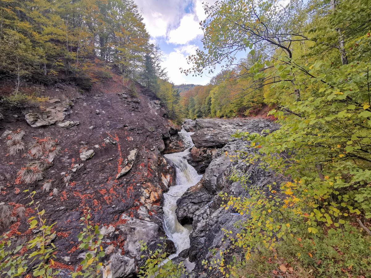Putna Waterfall